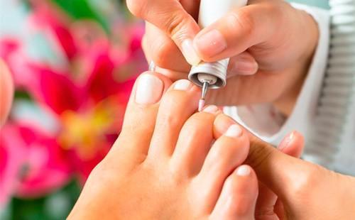 Обработка ногтей машинкой